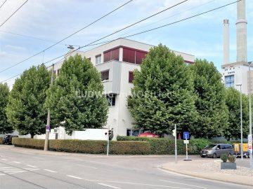 ++ Solitärgebäude mit hochwertiger Ausstattung ++ verkehrsgünstige Lage Nähe Daimler Benz ++, 70188 Stuttgart, Büro/Praxis